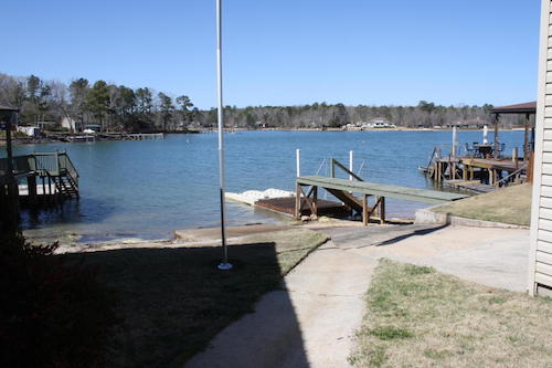 (04) Lake Martin Waterfront Lakehouse - 562 cove drive eclectic alabama