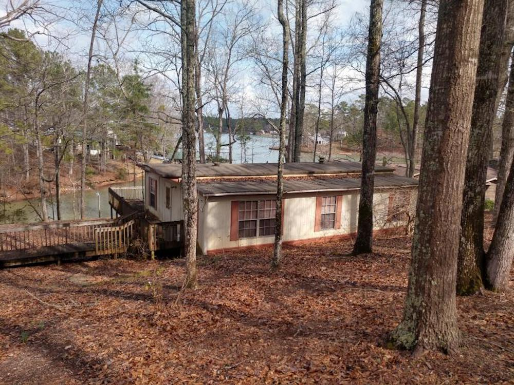Lake Martin Single Residential Family Home - 263 Lemaster Road Eclectic